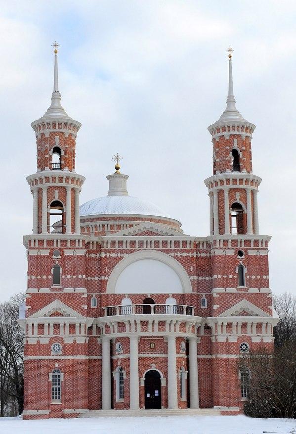 Негр на церкви на красной площади
