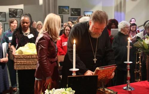 епископ Мария Йепсен на православной Литургии